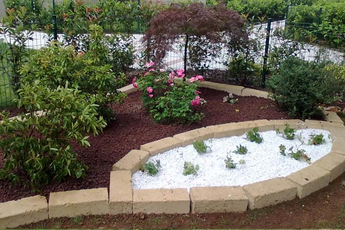 Realizzazione aiuole a milano e provincia bersani giardini for Progetto aiuole per giardino